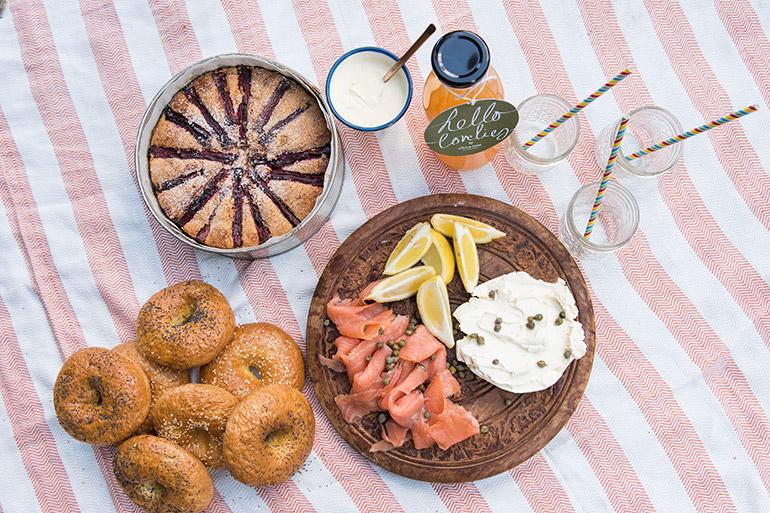 picnic_spread
